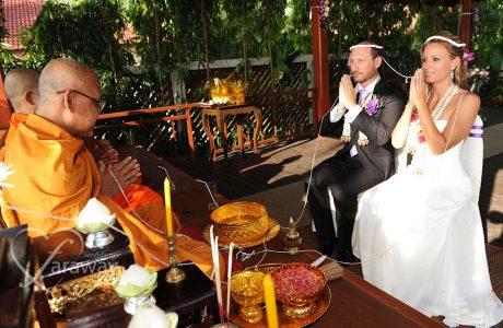 buddhist-beach-wedding-thailand